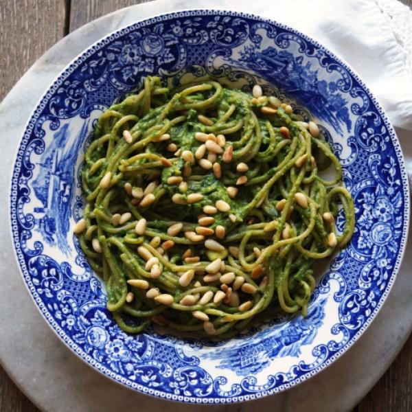 spaghetti avocado pesto