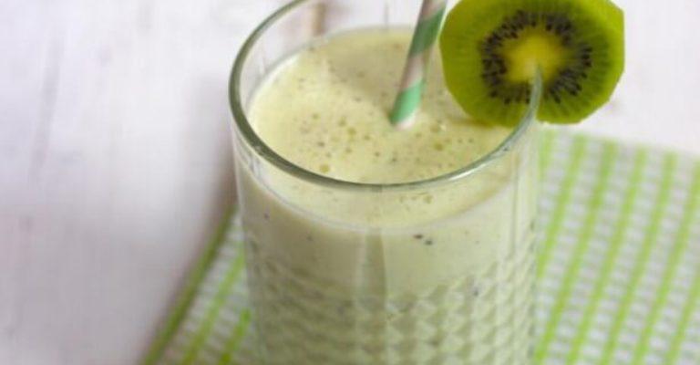 Smoothie-met-banaan-en-kiwi-Lekker-en-Simpel.1394024939-van-LekkerenSimpel