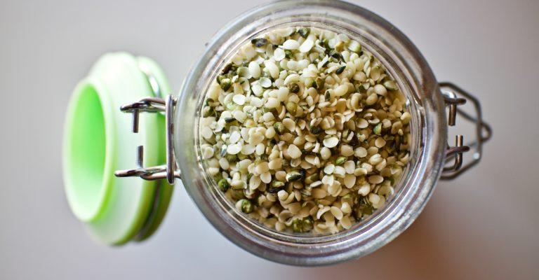 hemp-seeds-3239824_1920