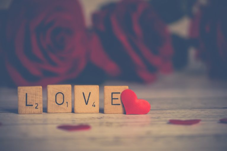 love-3061483_1920
